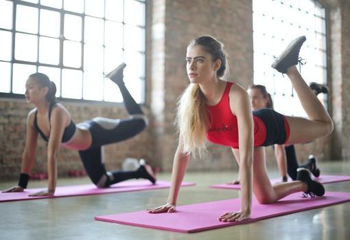 El ejercicio físico es fundamental, pero debe combinarse cardio y fuerza.